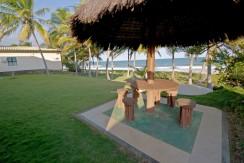 Mansao-a-venda-em-Interlagos-de-frente-para-praia- (1)