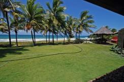 Mansao-a-venda-em-Interlagos-de-frente-para-praia- (48)