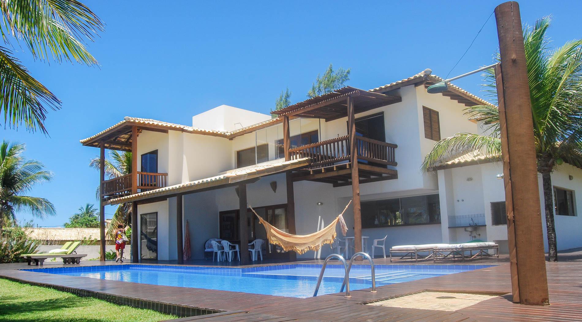 Beautiful oceanfront home for sale in Itacimirim