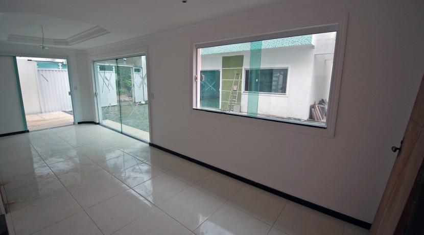 bela-casa-duplex-a-venda-em-pitangueiras-4