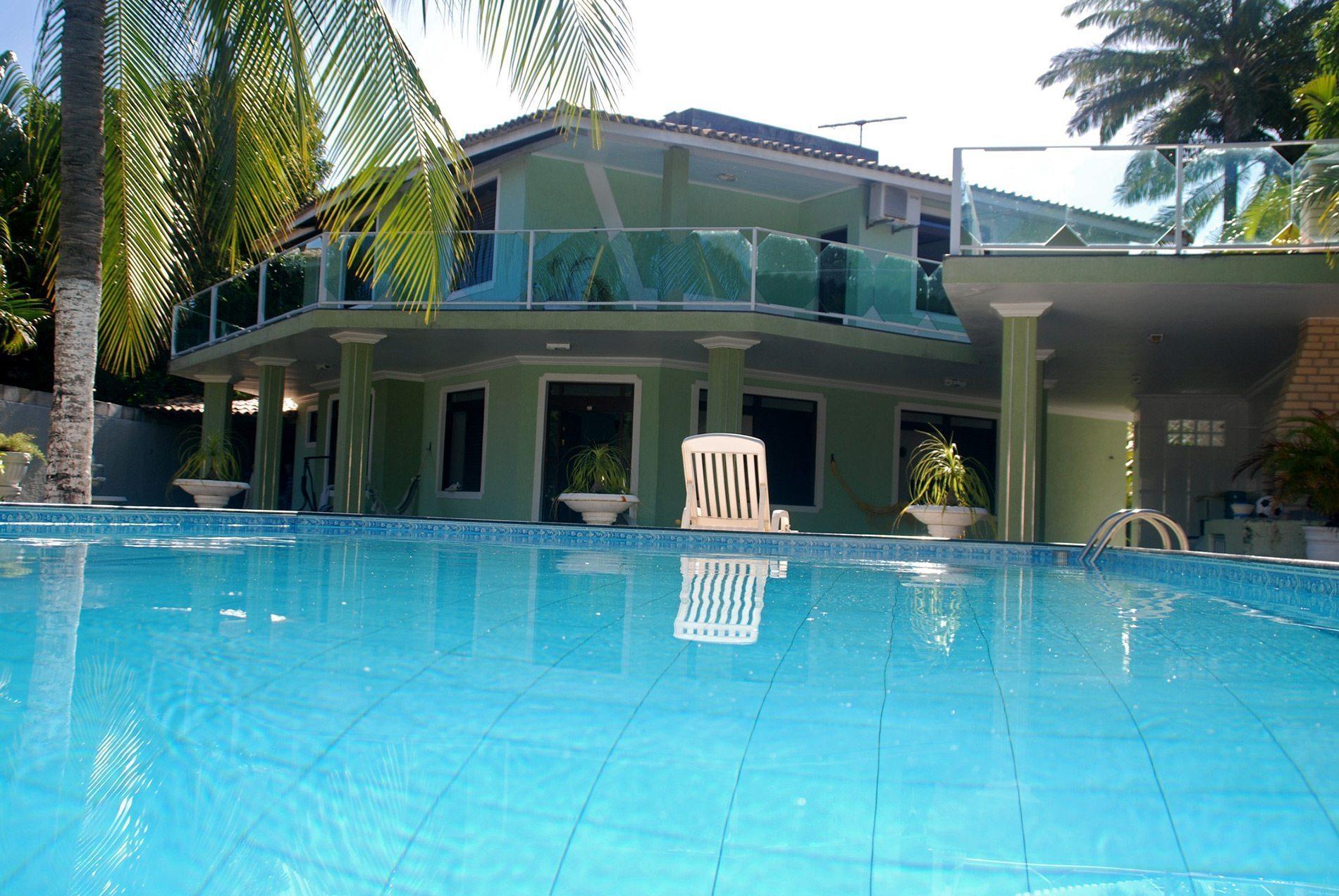 Beautiful home in condo for sale in Vilas do Atlântico