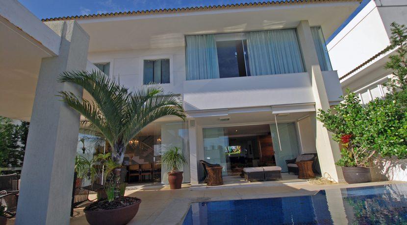 Casa de alto padrão a venda no Alphaville Paralela