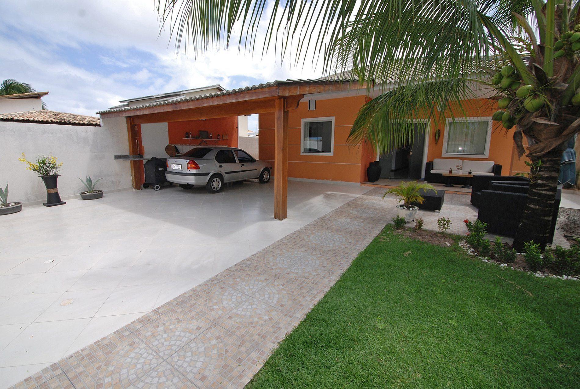 Charming house for sale near the beach in Ipitanga