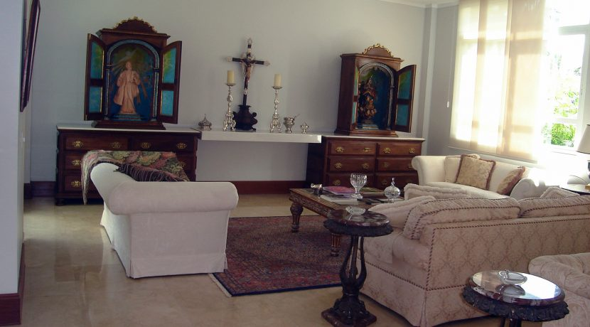 luxuosa-mansao-neoclassico-a-venda-no-encontro-das-aguas-14