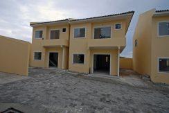 Nova casa a venda na Praia de Ipitanga