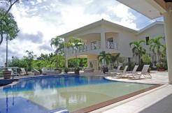 Espetacular mansão em frente a lagoa a venda no Encontro das Águas