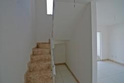 Casa com ótimo acabamento a venda em Abrantes (6)