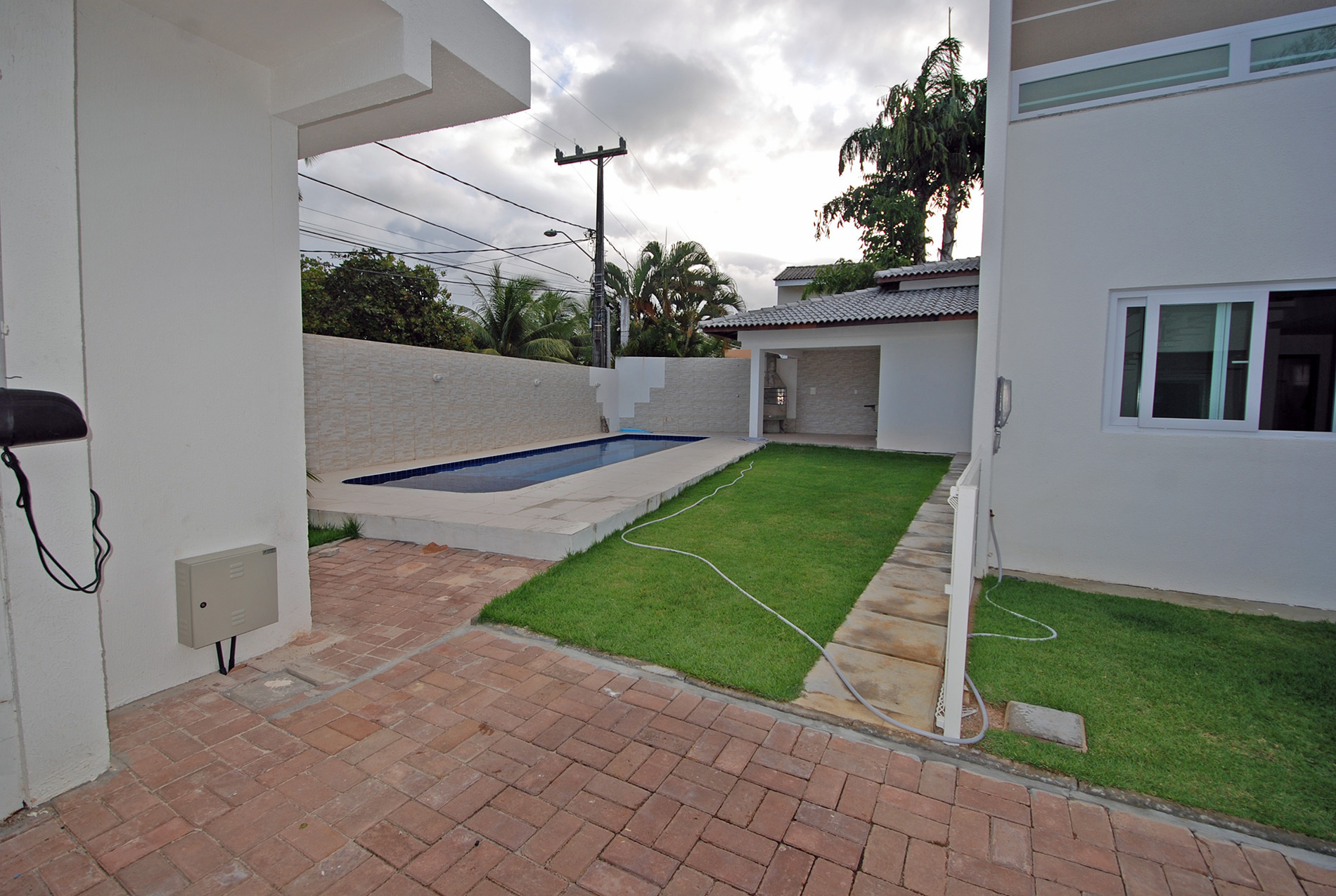 Nuova casa in vendita a buraquinho a 600 m dalla spiaggia for Casa con 6 camere da letto in vendita vicino a me