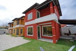 Condomínio com 6 casas duplex a venda em Ipitanga