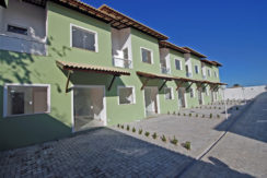 Casa nova duplex à venda em Ipitanga
