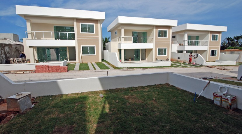 Casas de 4 suites à venda em Buraquinho-10