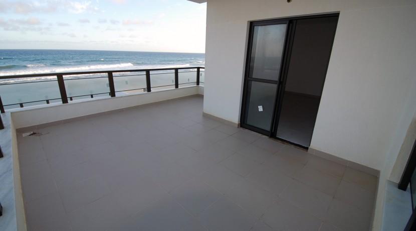 casa-a-venda-frente-praia-ipitanga-10