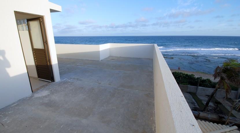casa-a-venda-frente-praia-ipitanga-12