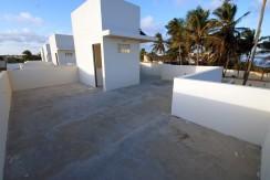 casa-a-venda-frente-praia-ipitanga-13