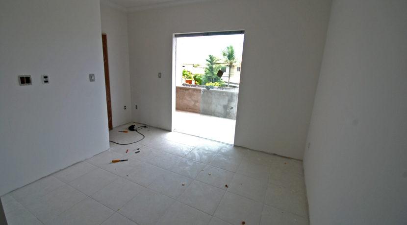 casa-solta-a-venda-perto-da-praia-ipitanga-11