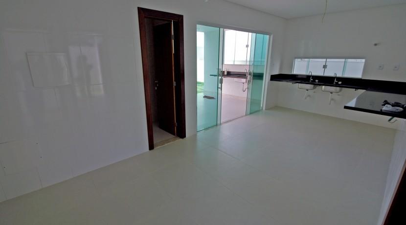 casa-elegante-a-venda-alphaville-litoral-norte-44