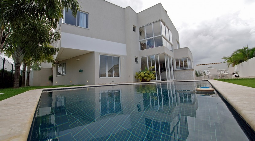 casa-luxuosa-a-venda-alphaville-litoral-norte-I-1