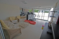 casa-luxuosa-a-venda-alphaville-litoral-norte-I-15