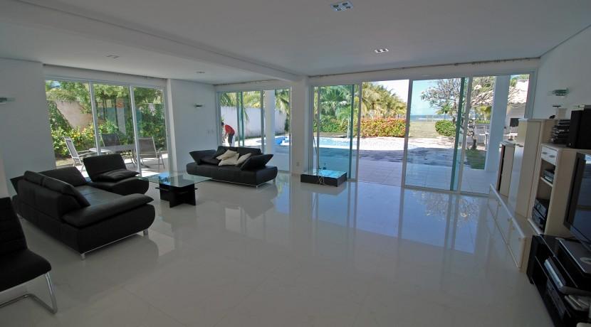 casa-a-venda-na-frente-da-praia-em-itacimirim-23