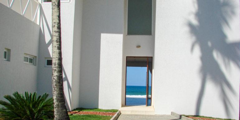 barra-do-jacuipe-casa-frente-mar-a-venda-15