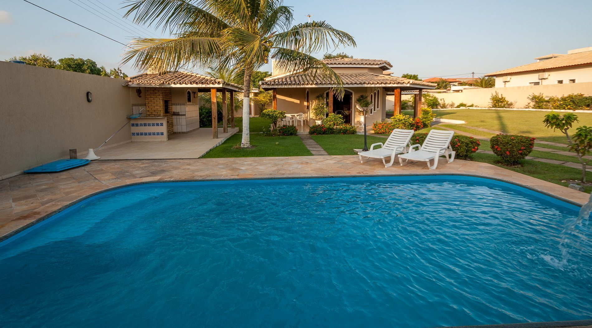 Casa com piscina barra do jacu pe hansen im veis for Piscina in casa