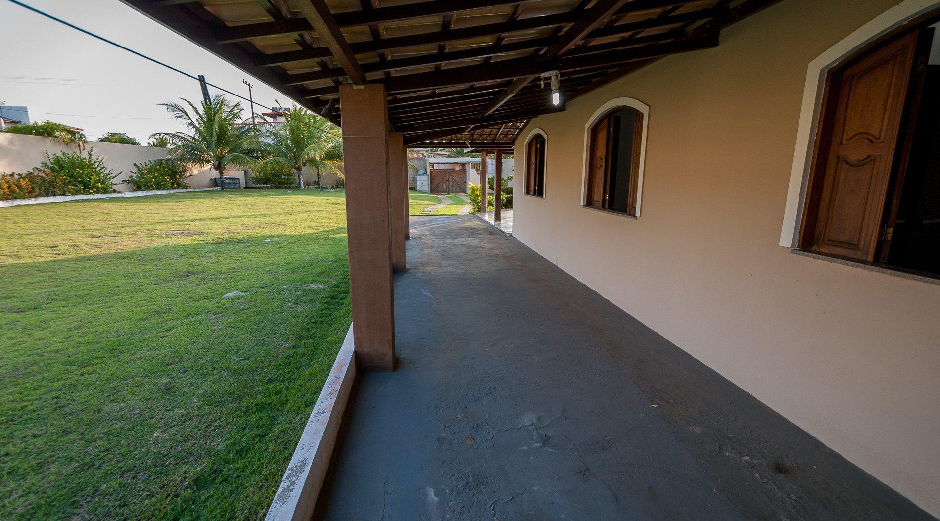 Piscina in casa giardino con piscina per godersi lestate - Piccola palestra in casa ...
