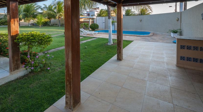 casa-com-piscina-barra-do-jacuipe-8