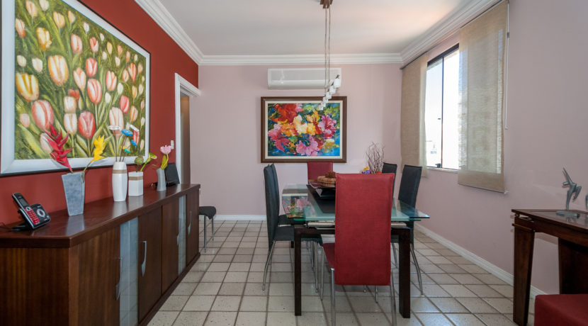 Apartamento vista mar a venda na Barra-16
