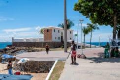 Apartamento vista mar a venda na Barra-26