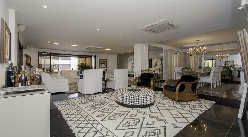 Apartamento alto padrão com vista mar a venda no Rio Vermelho