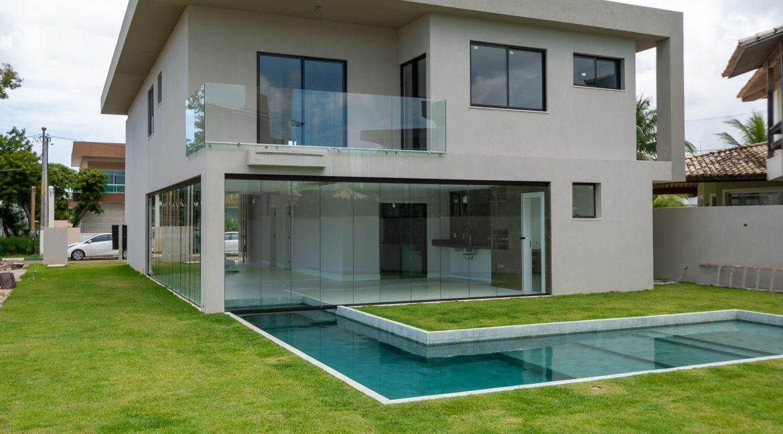 Casa nova moderna de luxo a venda em Guarajuba
