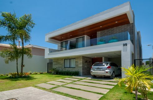 Espetacular casa moderna a venda Vilas do Atlântico