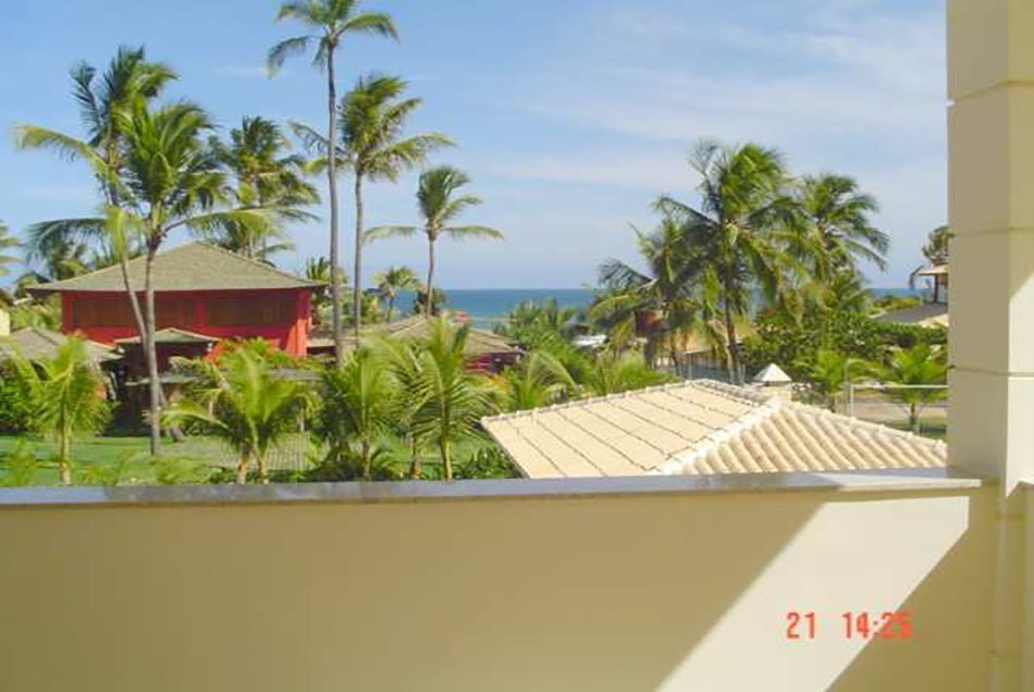 Great house for sale in Busca Vida 100 m from the beach