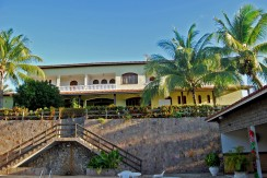 Bela casa com privacidade no Encontro das Águas a venda