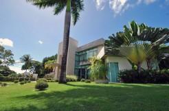 Espetacular mansão a venda no Encontro das Águas