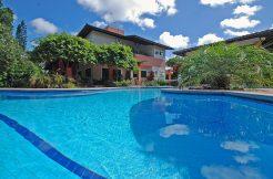 Casa de luxo para aluguel na Estrada do Coco