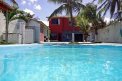 Casa à venda em frente a praia de Jauá