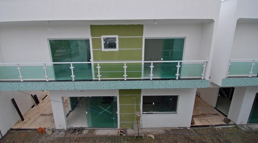 bela-casa-duplex-a-venda-em-pitangueiras-11