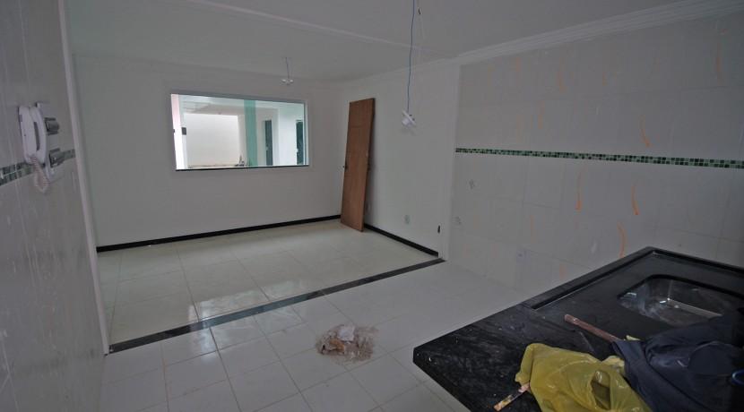 bela-casa-duplex-a-venda-em-pitangueiras-2