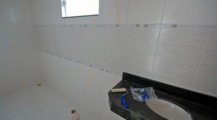 bela-casa-duplex-a-venda-em-pitangueiras-8