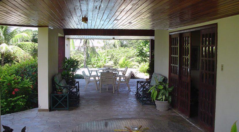 bonita-casa-a-venda-no-melhor-condominio-encontro-das-aguas-2