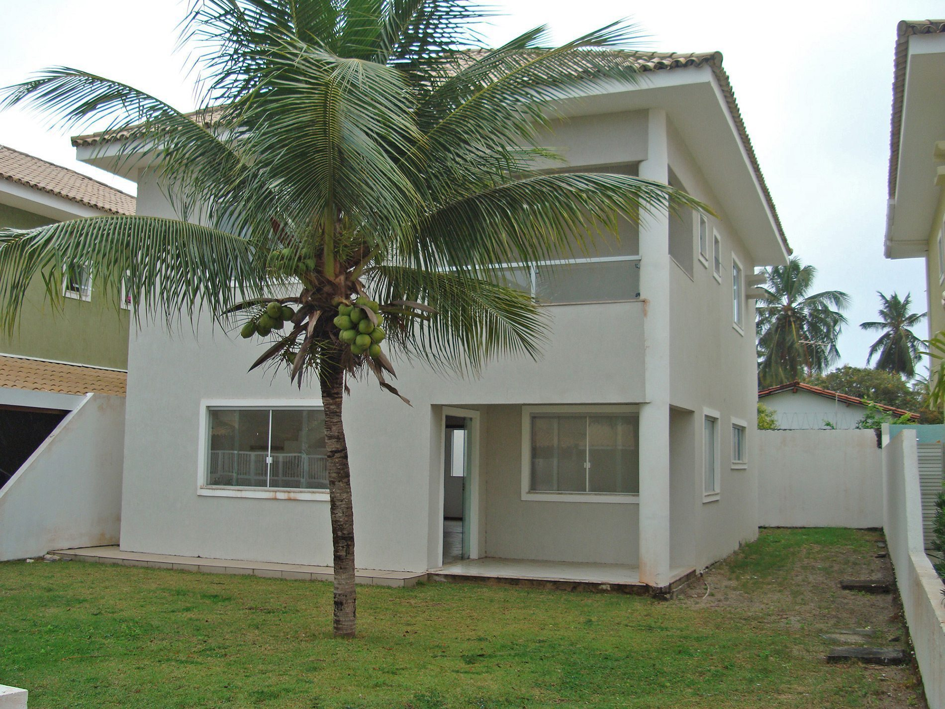 House for sale 500 meters from the beach in Buraquinho