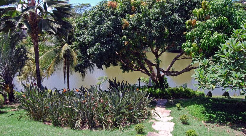 casa-a-venda-com-vista-para-a-bela-lagoa-em-encotro-das-aguas-2