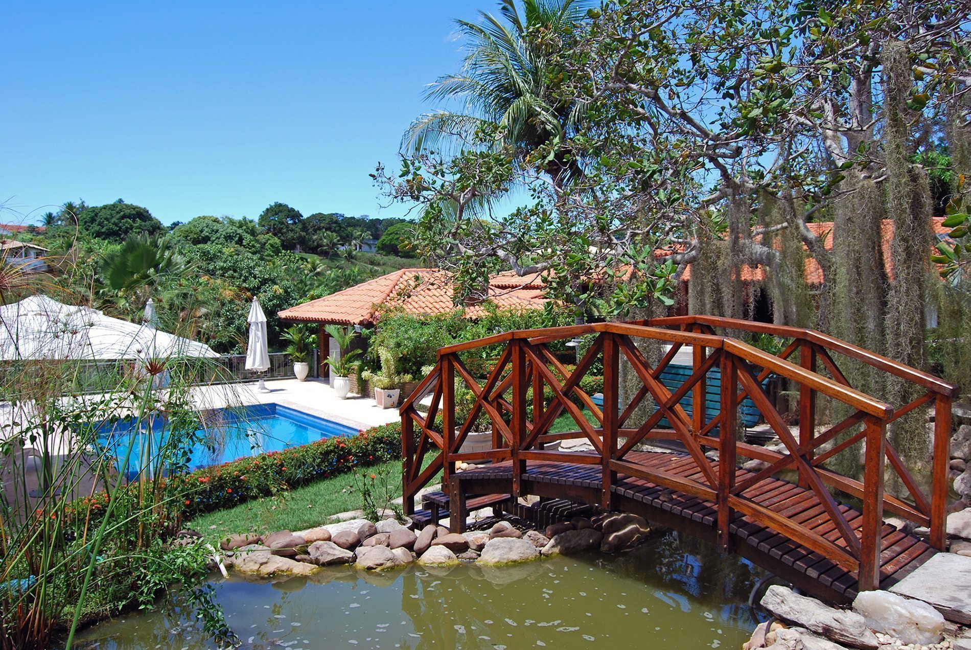 Home with lake view for sale in Encontro das Águas