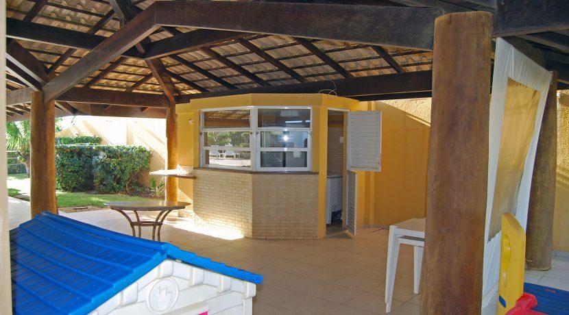 Casa a venda em Interlagos de frente para o mar