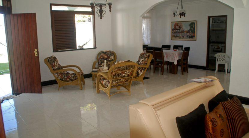 Casa a venda no condominio em Vilas do Atlântico