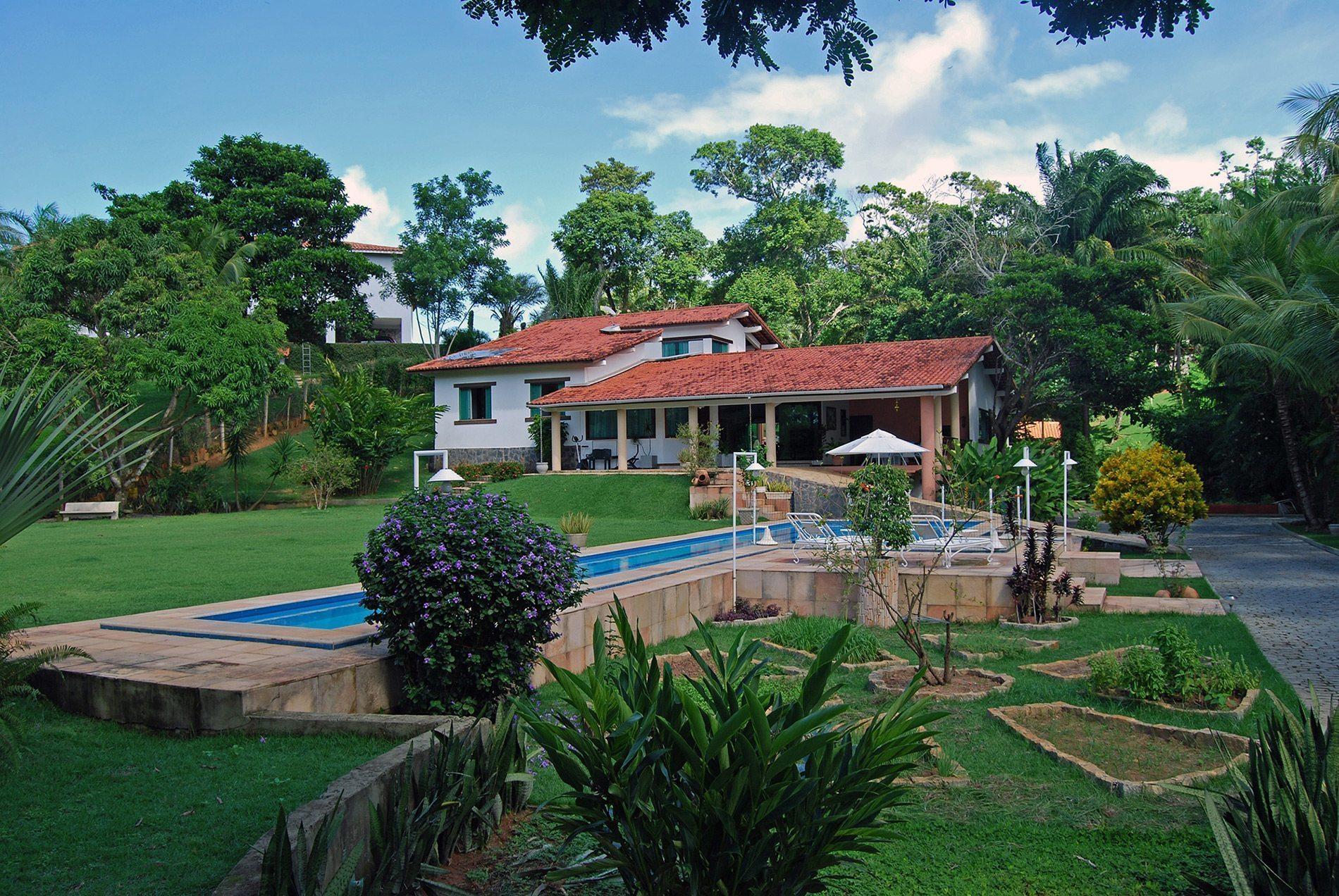 Linda casa com piscina a venda no encontro das guas for Casa con piscina urdaibai