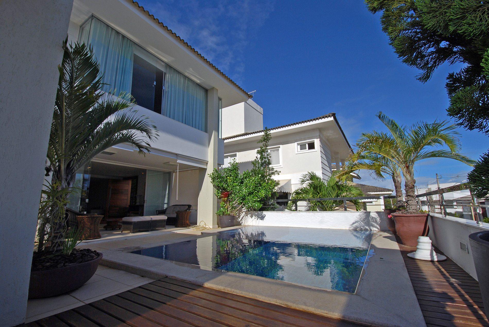 Luxury home for sale in Alphaville Paralela