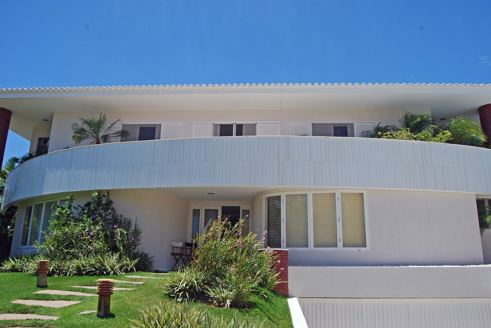 Elegant upscale home for sale in Vilas do Atlântico