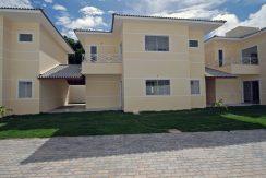 Moderna casa nova a venda em Buraquinho